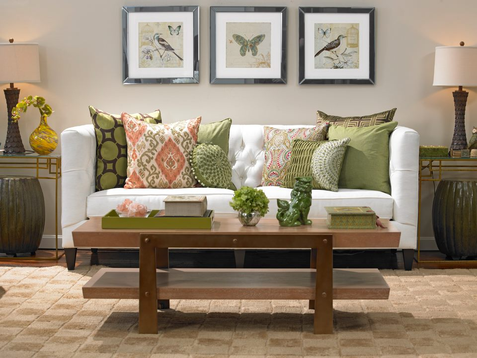 The Difference Between Staging And Decorating