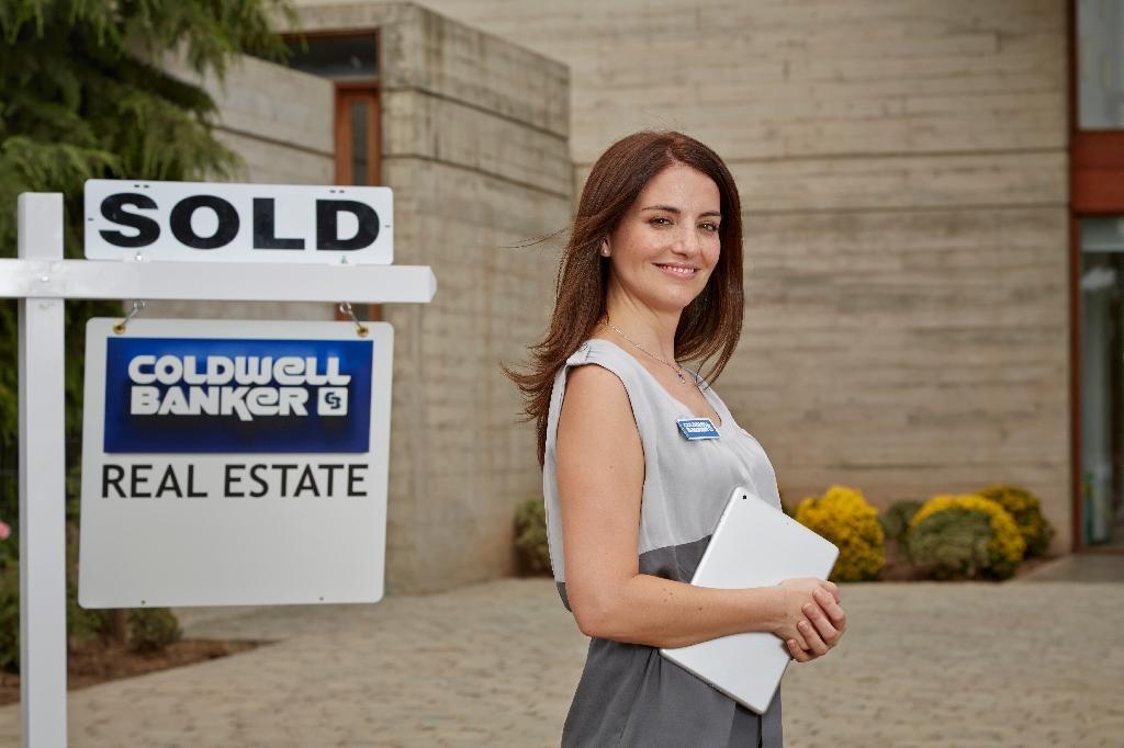 Crestwood Real Estate Lifestyle Photo 06