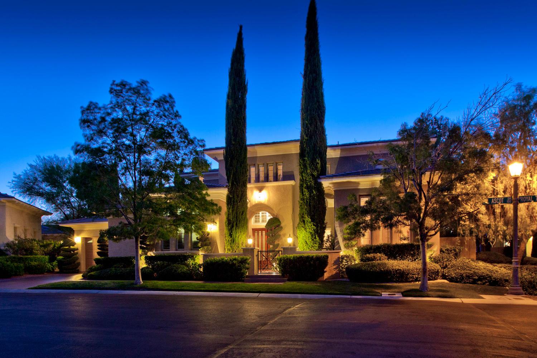 Las Vegas Real Estate Lifestyle Photo 04