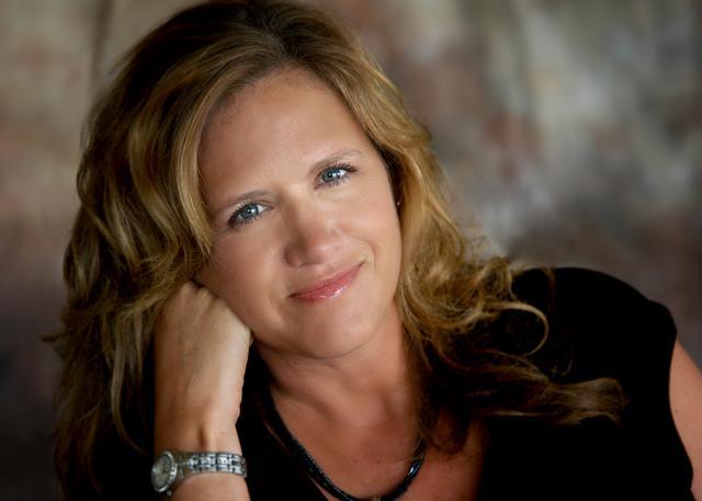 Dana Weyl